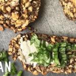 Veganes low-carb Wunderbrot mit Leinsamen (glutenfrei)